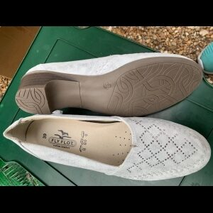 Italian Ladies leather shoes size 39